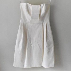 Simple Silhouettes Linen Strapless Dress